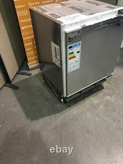 Bosch Serie 6 KUR15A50GB Classixx 137 Litre Integrated Under Counter HW174086
