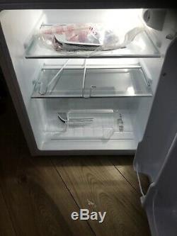 Montpellier MAB2031C Under Counter Mini Retro Fridge Freezer Cream
