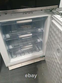 NewithEx-display BOSCH GUD15AFF0G Integrated Undercounter Freezer Fixed Hinge