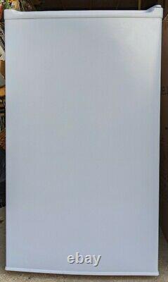 SIA Fridge, Model LFS01WH, White, Under Counter Larder Fridge, 91 Litre Capacity